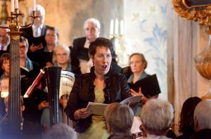 Sopranen Helene Thunberg var solist när Förklädd Gud framfördes i Stora Skedvi kyrka.