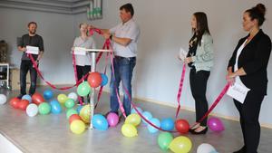 Vid invigningen av skolan i Ytterhogdal knöts band mellan verksamheteter ihop av Anders Häggkvist. Nu handlar det om att knyta ihop band mellan politiska partier för att få en ledning.