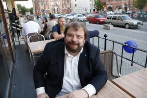 Richard Carlsson, SD:s kommunalråd i Gävle, var nöjd med de första siffrorna.