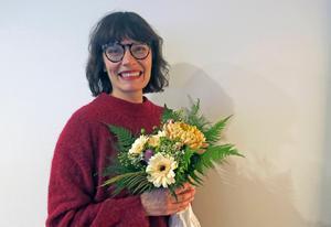 Fjolårets pristagare Alexandra Zetterberg Ehn överraskades under ett möte på sin arbetsplats.