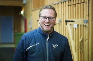 Mathias Månsson, tränare i Kovland var glad innan nedsläpp, något mer sammanbiten efteråt.
