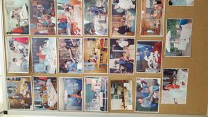 Utställning av kort från tidigare hantverksdagar.