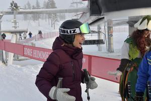 Anna Ottosson valde att avstå att utmana de övriga och hjälpte ett barn som tappat skidan.