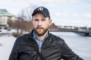 Johnny Lindgren, 39 år, lärarassistent, Alnö.