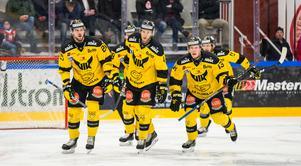 Alexander Lindelöf, Samuel Ersson, Mikael Frycklund och Lukas Zetterberg har hittills lämnat VIK. Marcus Bergman (till vänster på bilden) och Kalle Östman (till höger) väntas också göra det. Därmed tappar man de fyra bästa poänggörarna från förra säsongen.