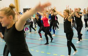 Drygt 90 personer, varav 60 gymnaster, kommer att representera Hudikgympan vid gymnastikfestivalen.