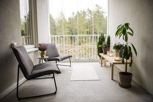 Det inglasade uterummet är det första man möts av när man kommer hem till familjen Berglund/Sjöberg.
