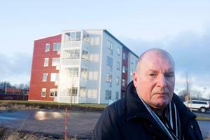 Roger Kjetselberg, vd på Tierpsbyggen, säger att byggkostnaderna stjälper det tänkte bygget av ett hyreshus i Söderfors. Höga byggkostnader ger nämligen hyror som Kjetselberg inte tror att människor är villiga att betala.