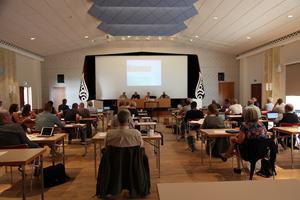 Vid Vaggeryds senaste kommunfullmäktige visade Femklövern oenighet och samarbetsproblem, skriver Kenth Williamsson (S).