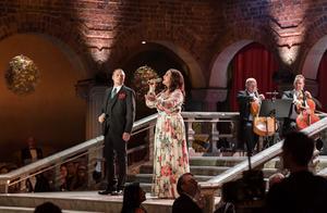 Lisa Nilsson sjunger under Nobelbanketten i Stadshuset. Foto: Anders Wiklund / TT