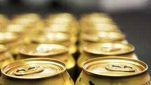 Vår erfarenhet är att såväl chefer som medarbetare behöver öka sina kunskaper om risker och konsekvenser av alkoholkonsumtionens effekter på hjärnan och kroppen i en arbetssituation, skriver debattförfattarna.