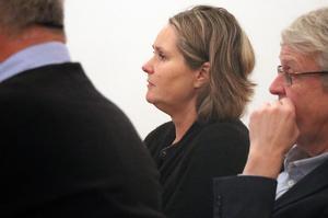 Socialchef Katarina Persson har redovisat nuläget och de farhågor som finns om röda siffror för kommunstyrelsen.