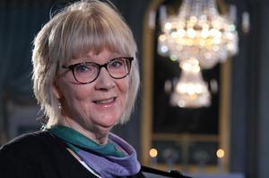 Barbro  Tjernström i samband med tv-inspelningen i Skorpeds kyrka.Bild: Johannes Söderberg/SVT