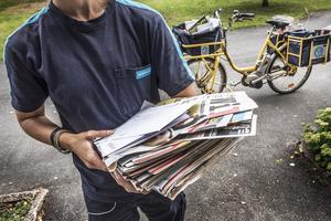 På postlådor som har tömning vardagar kl 17.00 har det nu klistrats lappar som säger att tömning sker 13.00 och att söndagstömning upphör. Kan Postnord berätta var man kan posta ett brev efter 13.00 och det lämnar samma dag i till exempel Sollefteå? Postnord svarar direkt.