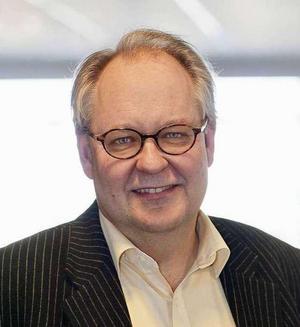 Krönikören Anders Jonsson är Falubo, journalist och politisk kommentator. Har tidigare bland annat varit chefredaktör för DT och presschef på Saco.