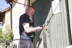 Johan Heed har fortfarande nycklar till Folkets hus, men bara ett par veckor till.