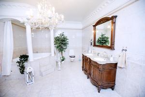 Badrummet har hämtat inspiration från Grekland och antiken.