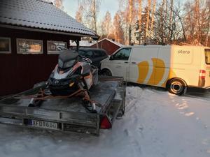 Foto: Privat. Äntligen är skotern tillbaka hemma på tomten.