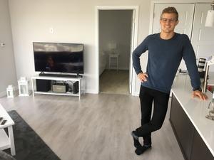 Marcus Ericsson tittar mest på hockey på tv – men är nöjd med att han också fått in alla svenska kanaler via VPN.