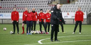 Martin Skogman är tillbaka i Kif Örebro, klubben där han var huvudtränare 2017, och gjorde på måndagen sitt första pass som assisterande tränare till Stefan Ärnsved.
