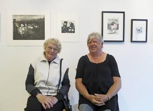 Bessie Dammert Wilcke och Elisabeth Bergvall är två av Gävles konstgrafiker som medverkar i vårsäsongens sista utställning på Galleri K.