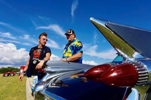 Albert Feil och Tom Fröman har blivit goda vänner tack vare det gemensamma bilintresset. Foto: Lennye Osbeck