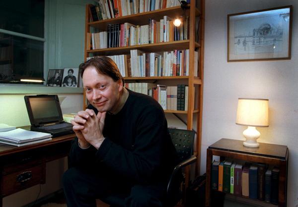 Horace Engdahl i sitt arbetsrum 1997. Foto: Anders Wiklund/SCANPIX