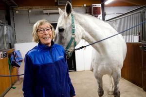Carins kärlek till hästar har följt henne genom hela livet.