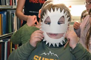 En väldigt fantasifull mask hade André Hall klippt ut.
