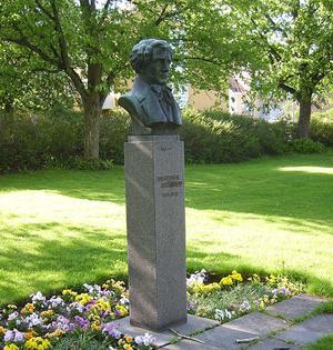 Adolf Fredrik LIndblads byst i Lindbladsparken i Skänninge i Östergötland, platsen där han föddes. Bild:  Harri Blomberg/Wikimedia Commons