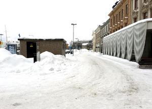 Förslaget var att låta den nya dragningen av gamla E4 gå in på Sjögatan