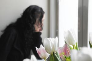 Vid samma tidpunkt som David hittades sönderslagen i Hudiksvall vaknade Malin med en konstig känsla hemma i familjens lägenhet i Östersund.