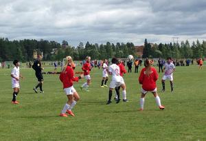 Svegs unga lag har börjat säsongen med en seger och en förlust. Här en arkivbild från Storsjöcupen