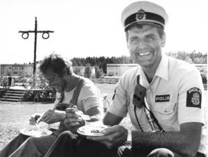 Birger Sjöberg som kvarterspolis på Nygårdsområdet i mitten på 1980-talet. Foro: Lennart Forsberg.