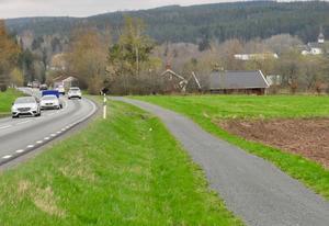 Den befintliga vägen mellan Marbäck och Bredestad förvandlas till lokalväg.