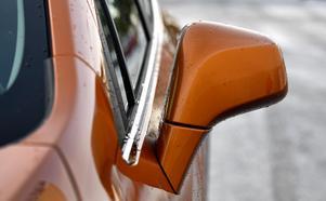 Mer än hälften av männen i undersökningen uppger att fel färg på bilen avskräcker dem från ett köp.