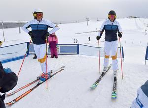 Skicrosslandslaget OS-laddar på Idre Fjäll, här Viktor Andersson och Victor VÖN Öhling Norberg.