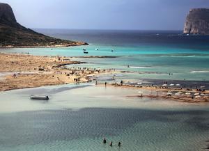 Balos stranden på Kretas nordvästra spets. Dit man kommer efter att ha vandrat över bergen. Foto: Tomas Polvall