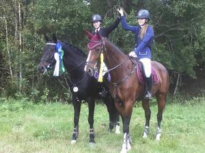 Alva Trane och Ella Persdotter, silver respektive brons i ungdoms-DM 2016.