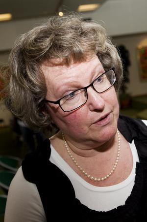 Carin Lockner Holmberg på Försäkringskassan oroas över höga sjuktal i landstinget.