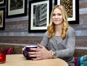 födelsedagsbarn. Evelina Höglund från Hallstahammar fyller 20 år i dag, men hon väntar med att fira till helgen.Foto: Rune Jensen
