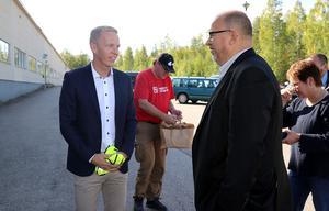 LO:s ordförande Karl-Petter Thorwaldsson besökte företag i Ånge kommun, bland annat Elkapsling i Alby.