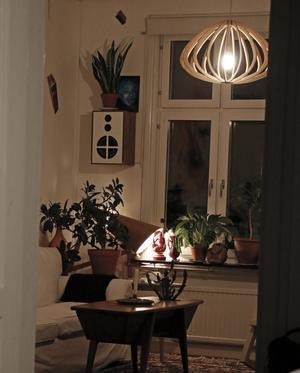 - Det är lite kallt ibland men jag trivs, säger Petter Nilsson som bor i ett äldre hus på Öster i Örebro.
