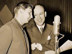 """Snoddas och Hylland i radioprogrammet """"Karusellen"""" 1952. Foto: TT"""