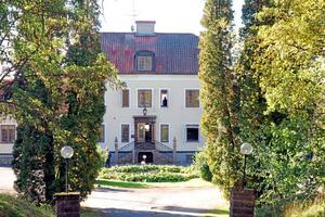 Innan jul stod det klart att Tokeryds herrgård blir genomgångsboende för anvisade nyanlända med uppehållstillstånd. Behovet av permanenta bostäder är fortsatt stort under 2018.