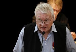 Ulf Axelsson (V).