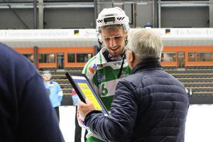 Simon Jansson prisades som turneringens bästa mittfältare.
