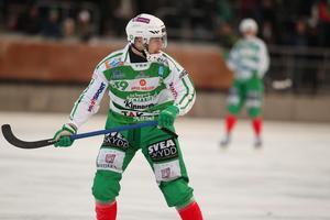 Martin Landström tar plats i laget efter sin första säsong i Västerås. Hela fem gånger blev anfallaren uttagen i elvan.
