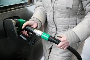 Indexeringen av skatten på bränsle var en våt dröm för Moderaterna redan på Carl Bildts tid som statsminister, skriver Alvar.