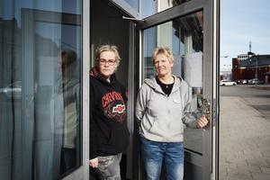 Kommunens dagliga verksamhet för socialt utsatta, Slink in. Handledarna Marika Ejleström och Susanne Åhlén.